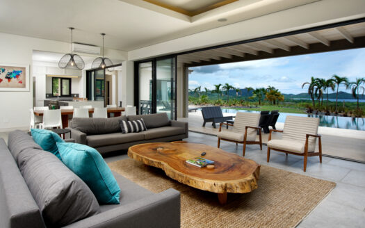 Villa Tropical-Modern Tropical Ocean View Home