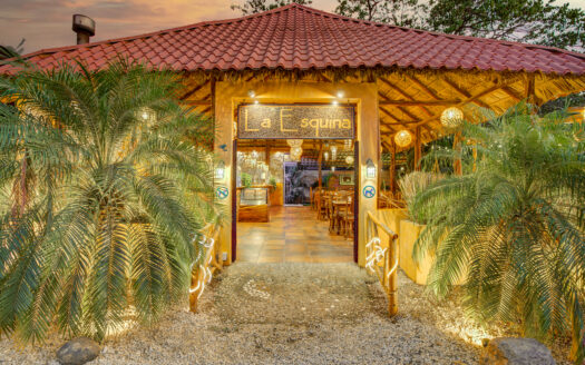La Esquina- Well established restaurant plus apartment business for sale